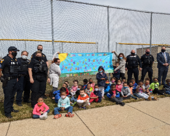 Police department and School Resource Officers visit William Foster Preschool