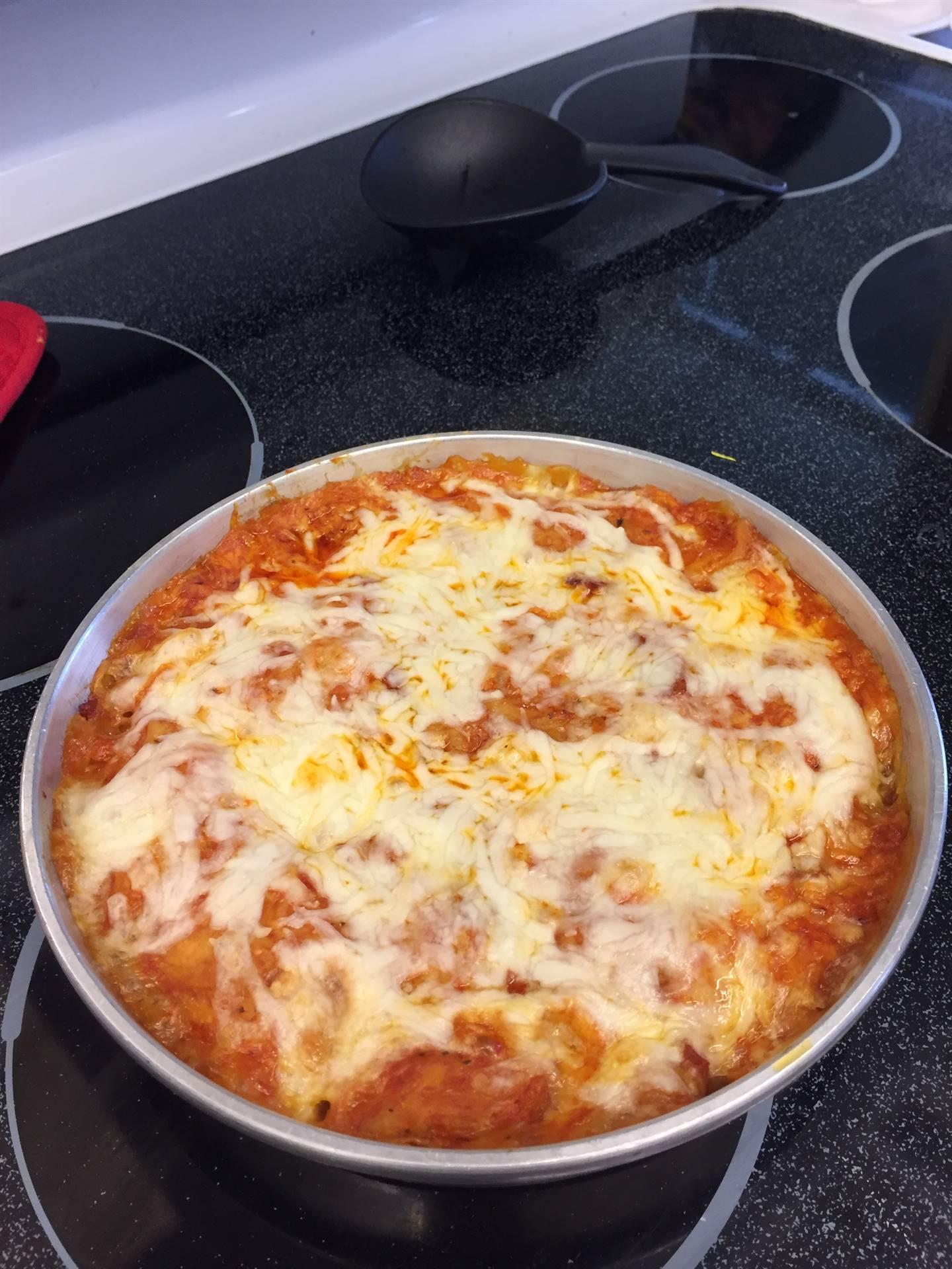 food tech students making pizza bubble bread