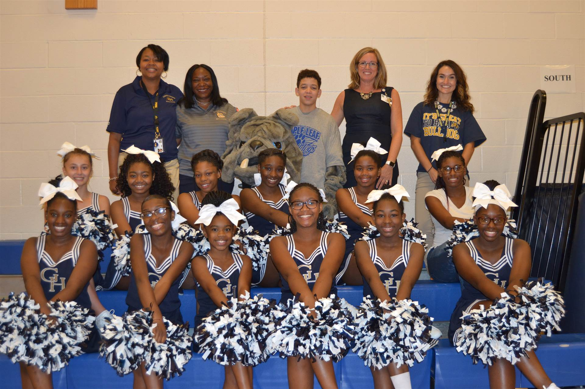 cheerleaders, Bulldog, Kali Strickland, Toya Hodge, Jean Rizi, April Smith