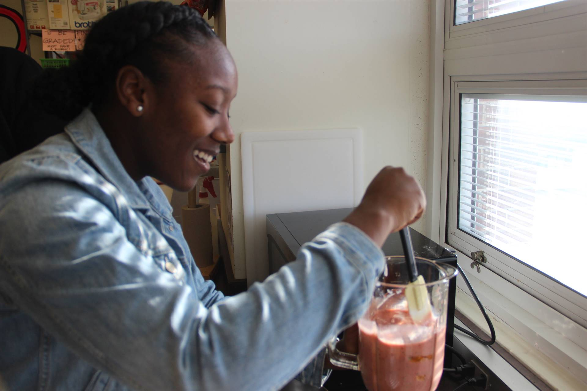Food Tech making smoothies