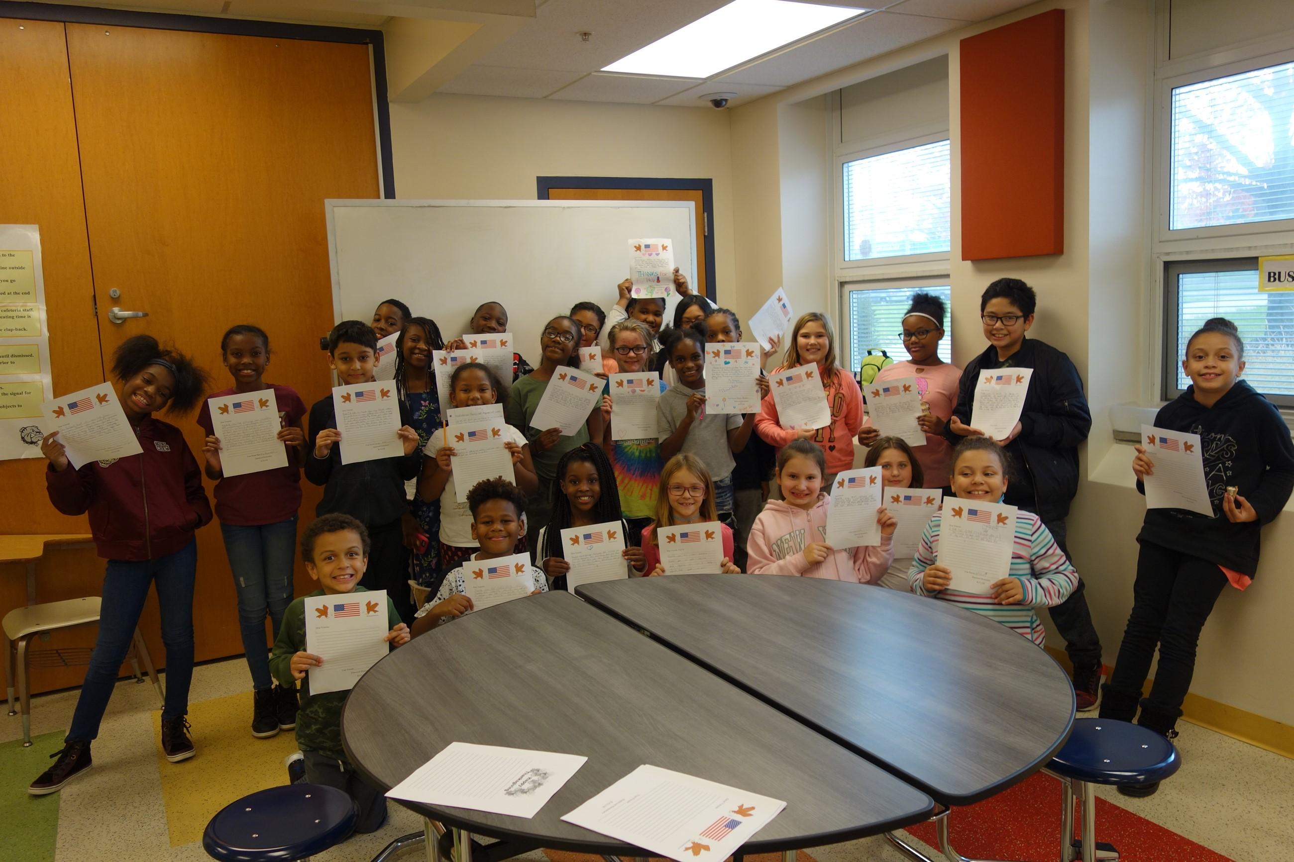 Elmwood Students write letters to Veterans