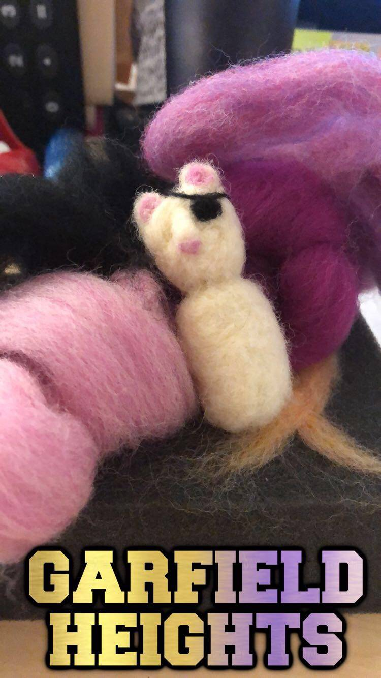 needle felting - one-eyed cat