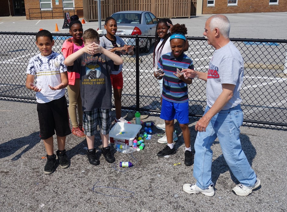 Mr. Carruozzo and students at Elmwood enjoyed Field Day on the last day of school